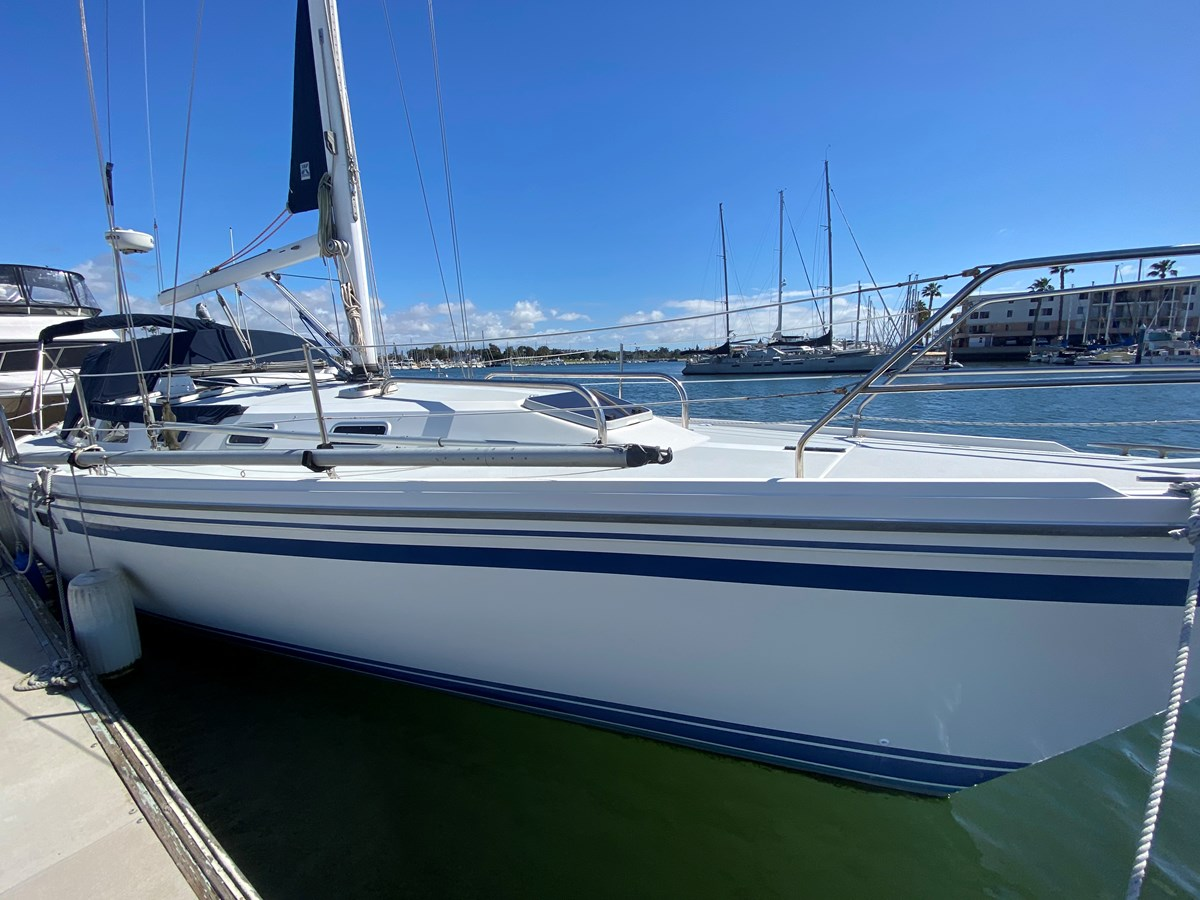 IMG_5720 1992 CATALINA 42 Sloop 2905086
