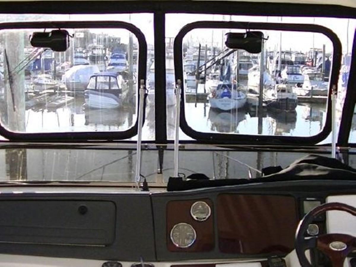 Glass window inserts 2009 MERIDIAN 441 Motor Yacht 2905152