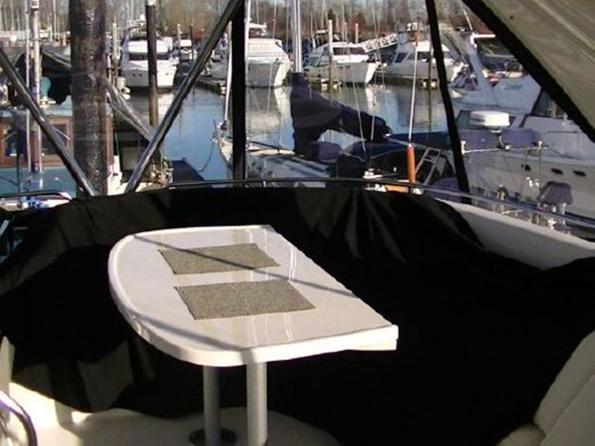 Bridge seating 2009 MERIDIAN 441 Motor Yacht 2905153