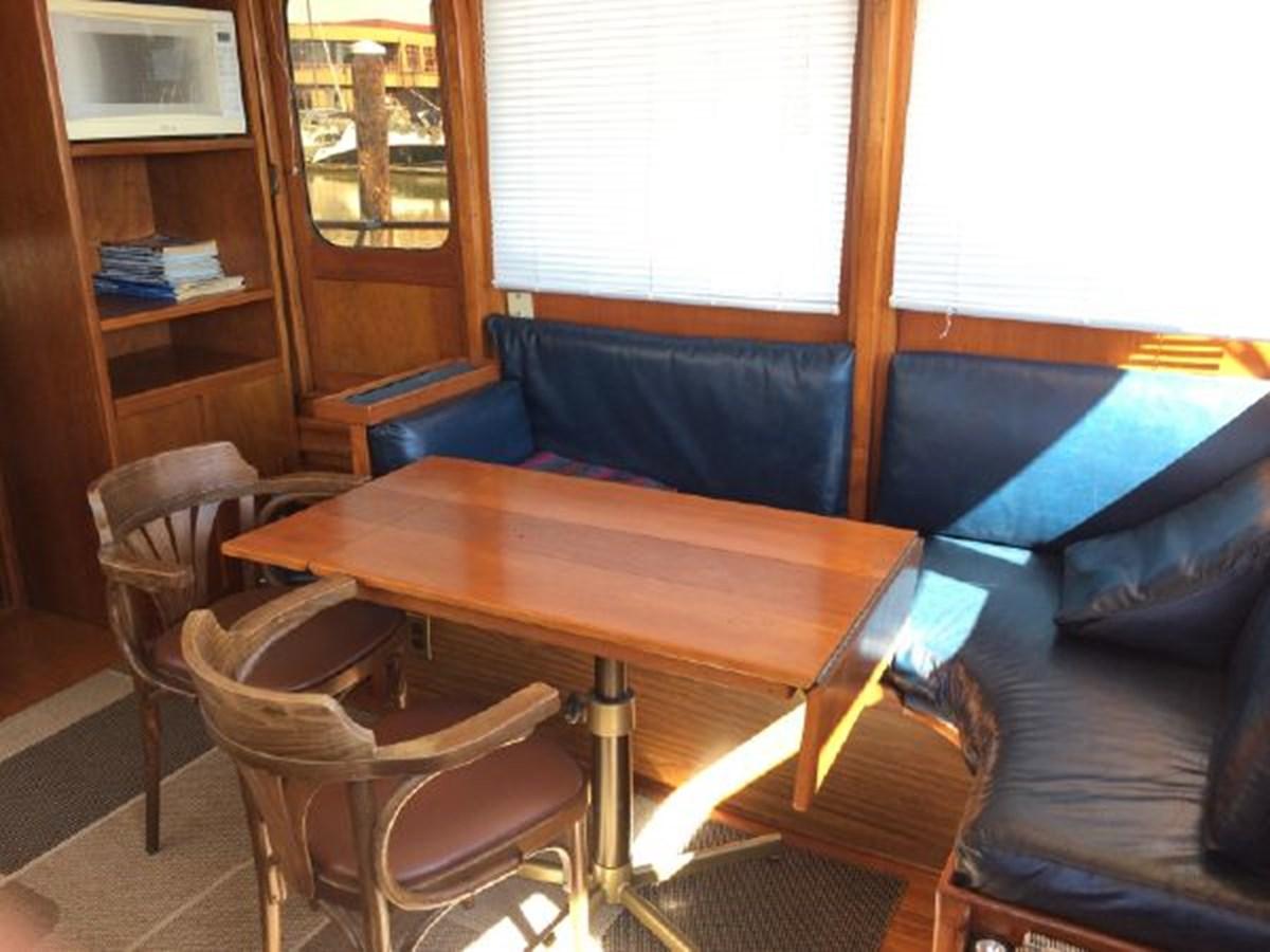 Dinette 1977 DEFEVER Aft-Cabin Trawler 2917464