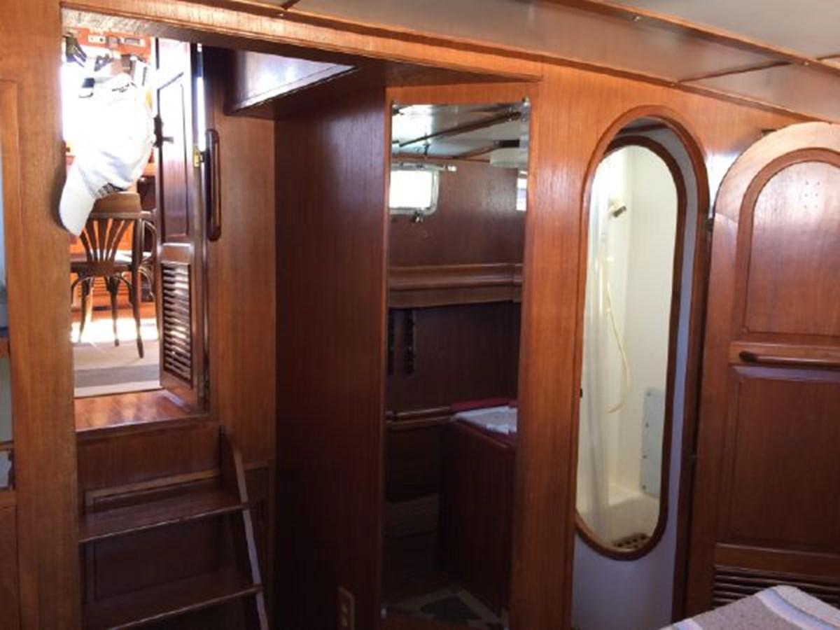 Master Ensuite Head 1977 DEFEVER Aft-Cabin Trawler 2917477