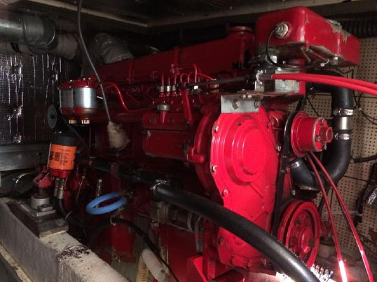 Port Engine 1977 DEFEVER Aft-Cabin Trawler 2917478