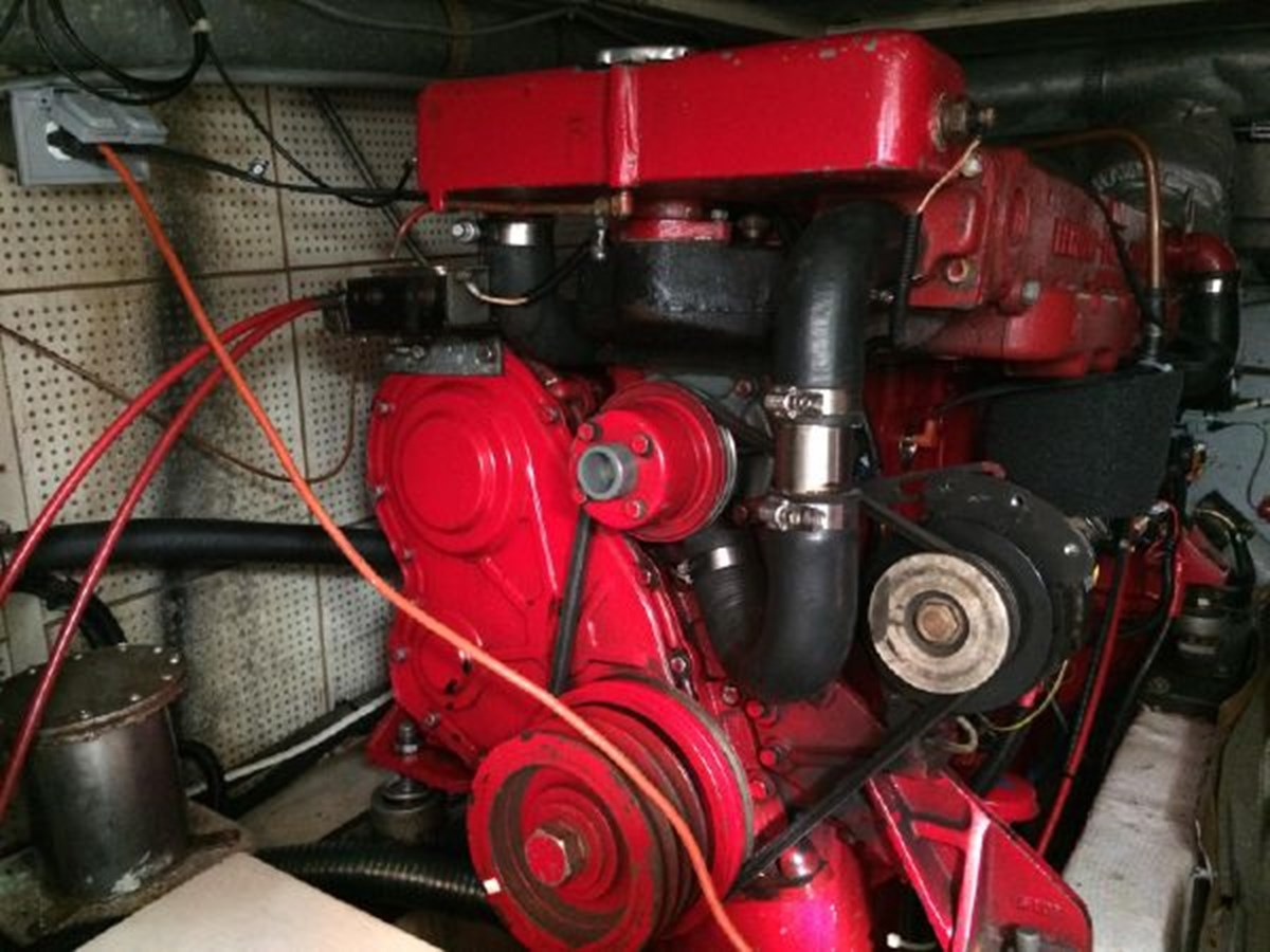 Starboard Engine 1977 DEFEVER Aft-Cabin Trawler 2917482