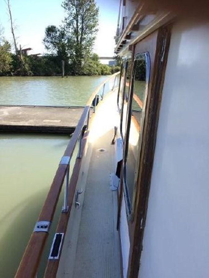 Port Deck 1977 DEFEVER Aft-Cabin Trawler 2917501