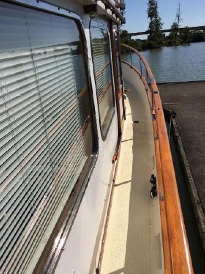 Starboard Deck 1977 DEFEVER Aft-Cabin Trawler 2917502