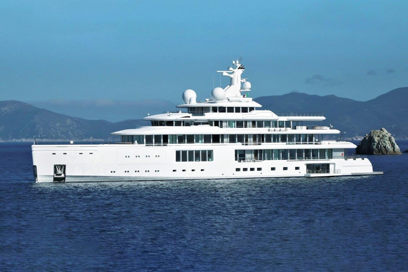 At Anchor 2020 BENETTI Displacement Motor Yacht Motor Yacht 2918056