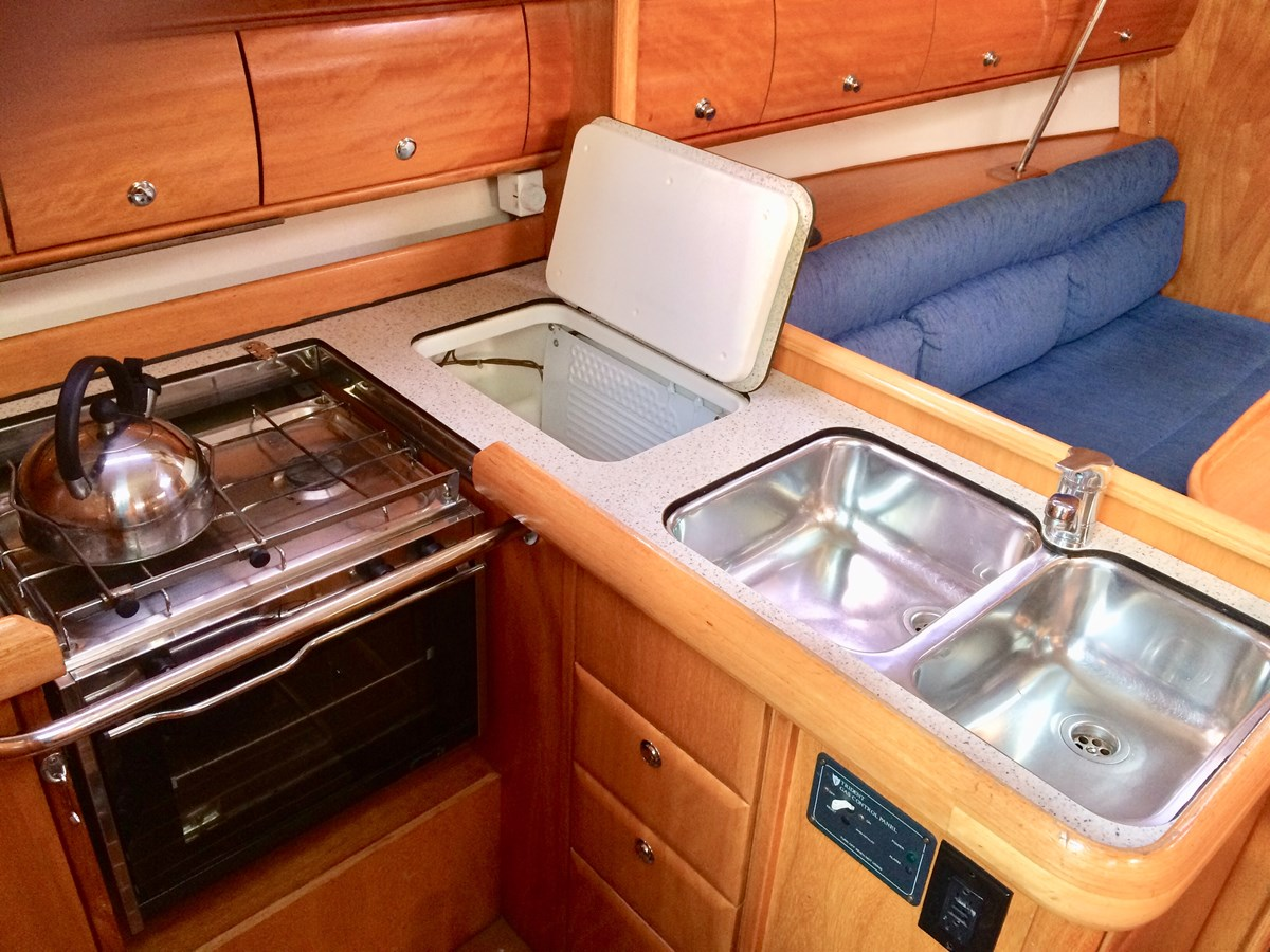 Galley 2005 BAVARIA  Cruising Sailboat 2910631