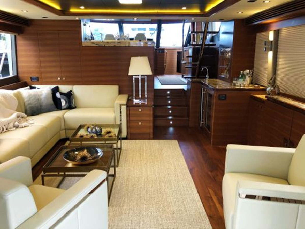 Main Salon 2020 REGENCY  Motor Yacht 2912726