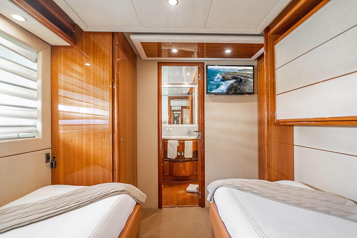 DSC01623 2006 FERRETTI YACHTS  Motor Yacht 2921284