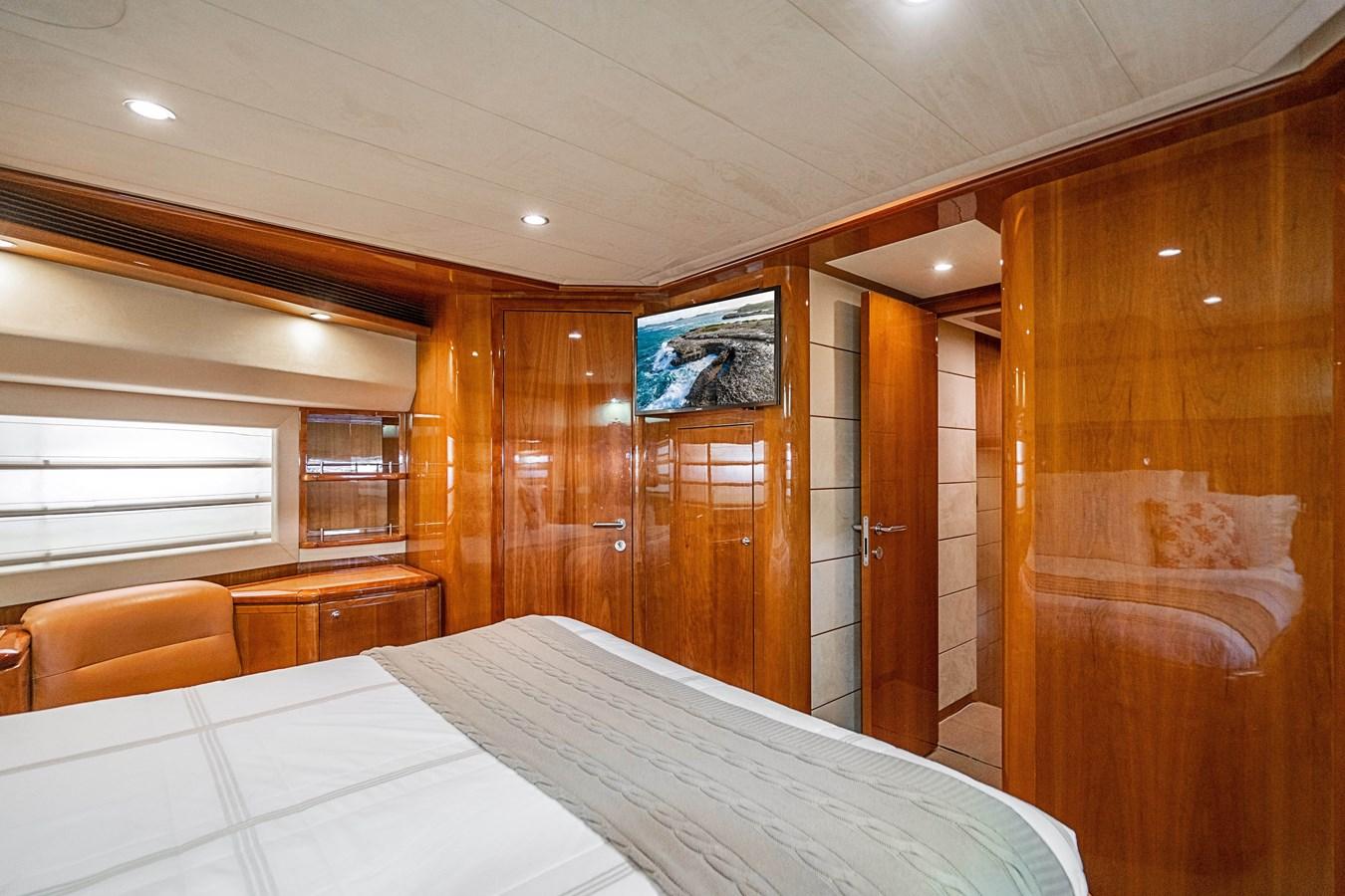 DSC01642 2006 FERRETTI YACHTS  Motor Yacht 2921320