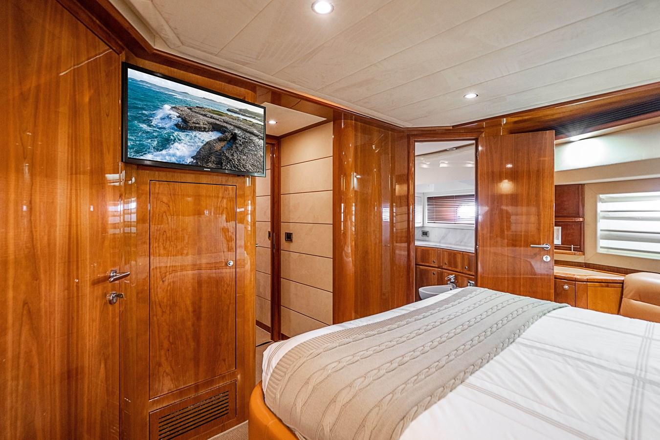 DSC01644 2006 FERRETTI YACHTS  Motor Yacht 2921451