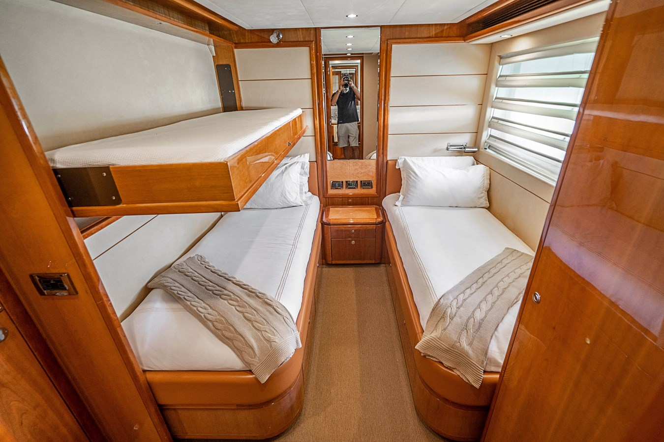 DSC01626 2006 FERRETTI YACHTS  Motor Yacht 2921623