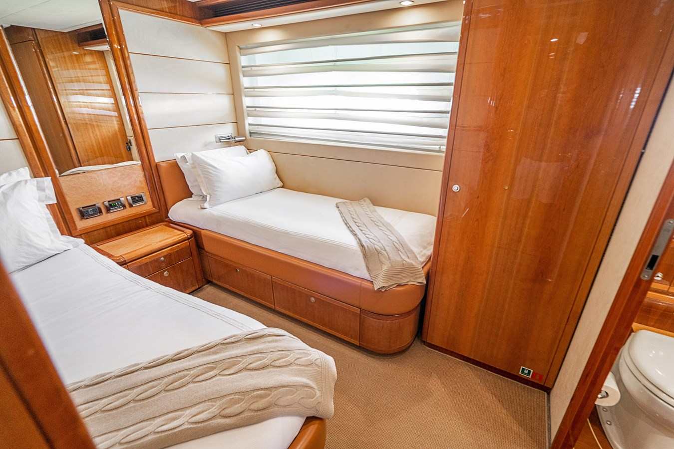 DSC01617 2006 FERRETTI YACHTS  Motor Yacht 2921627