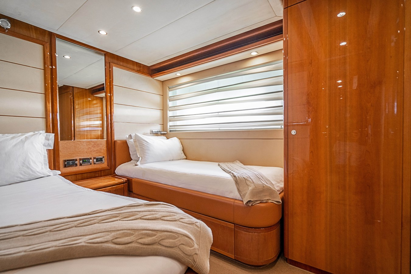 DSC01615 2006 FERRETTI YACHTS  Motor Yacht 2921628