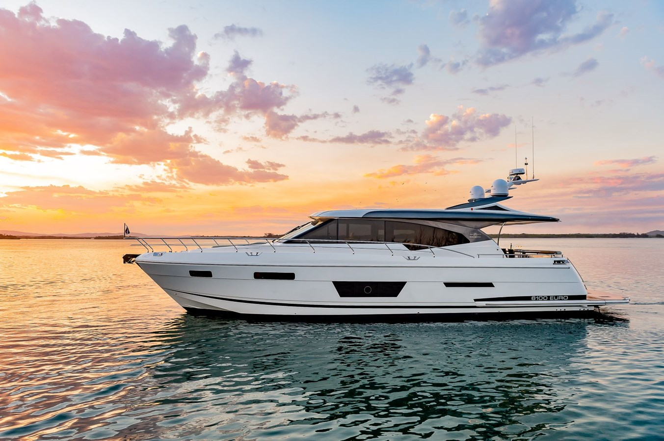 low res APX_2115-1 2020   Motor Yacht 2916157