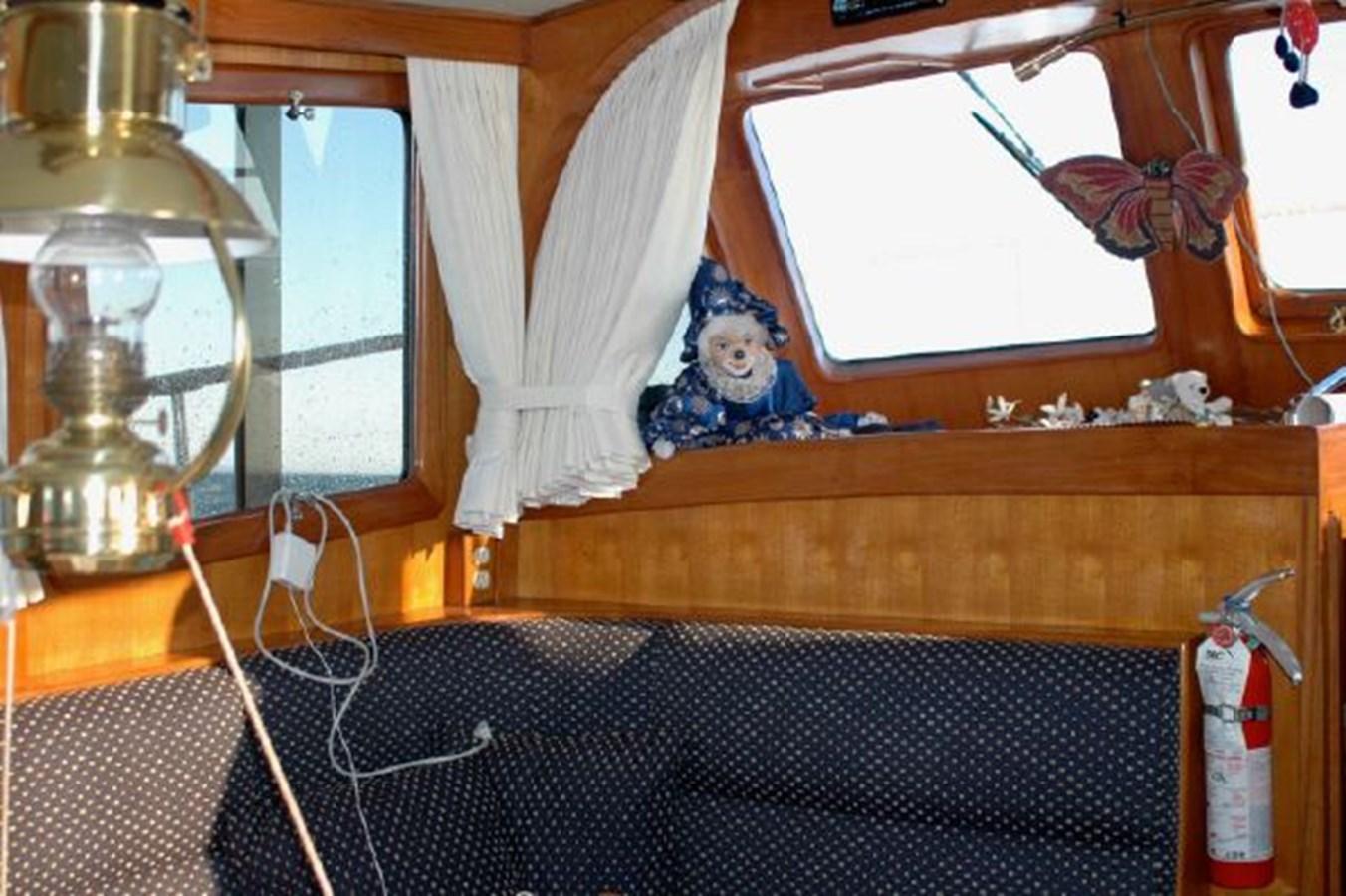 Dinette 1981 GRAND MARINER  Trawler 2921814