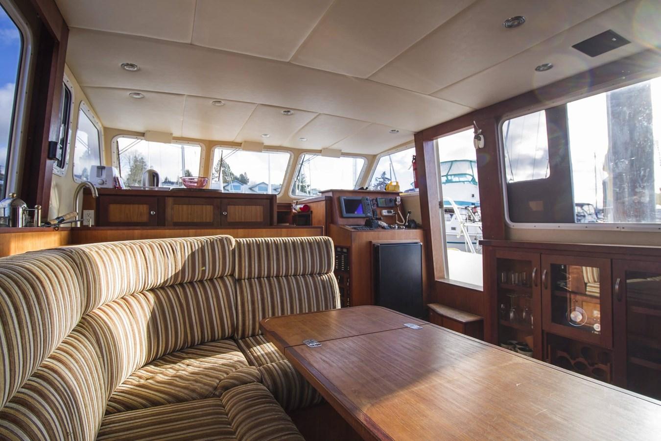 Dinette 2009 COOPER  Motor Yacht 2920658