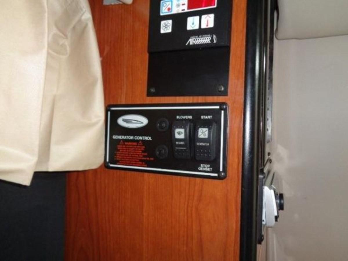 18 2000 CHAPARRAL 300 Signature Cruiser 2922865