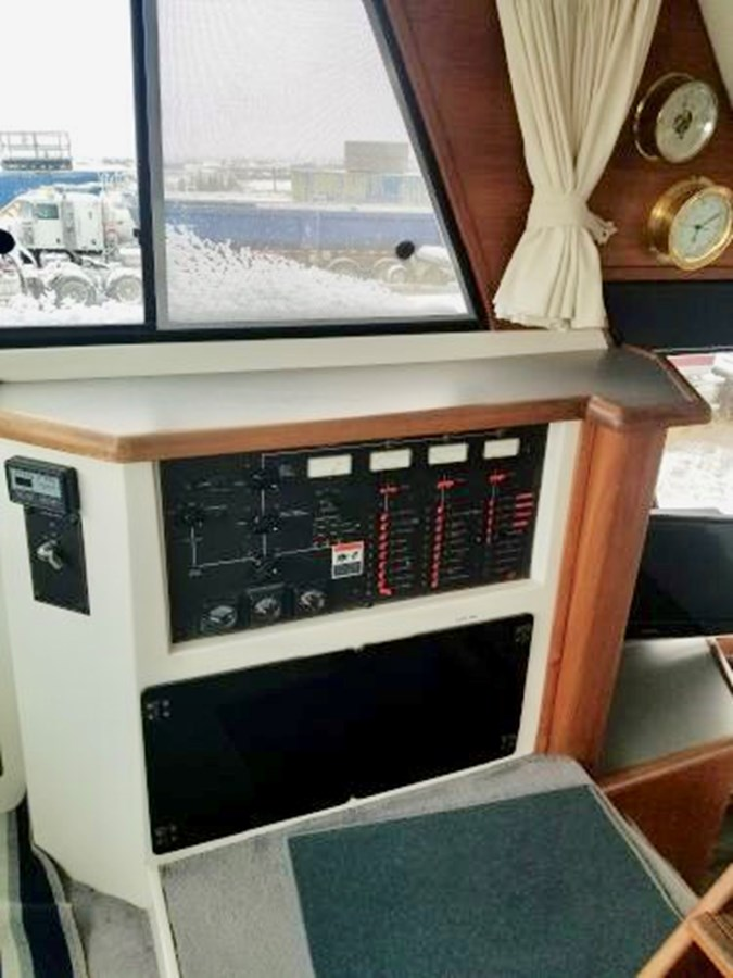 Electrical Distribution Panel 1991 BAYLINER 4588 Pilothouse MY Motor Yacht 2924585