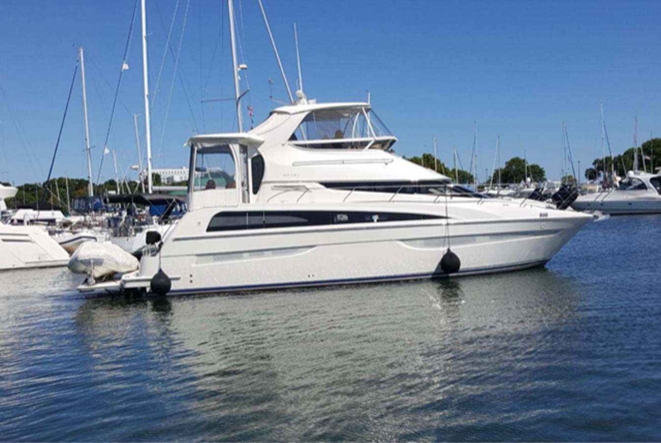"2 2007 CARVER ""47"" CMPY Motor Yacht 2927316"