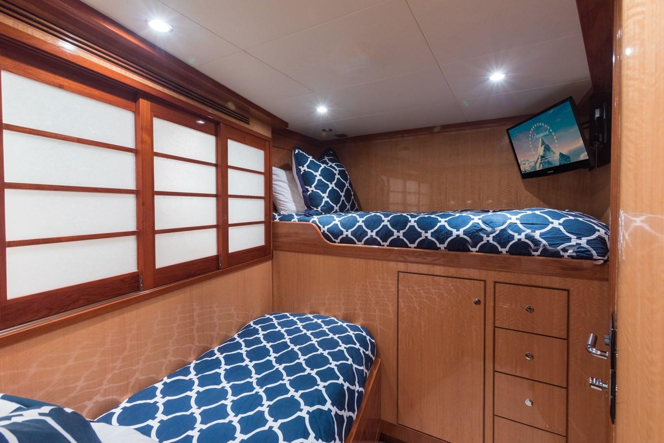 bunk room 2005 OCEAN ALEXANDER  Motor Yacht 2927538