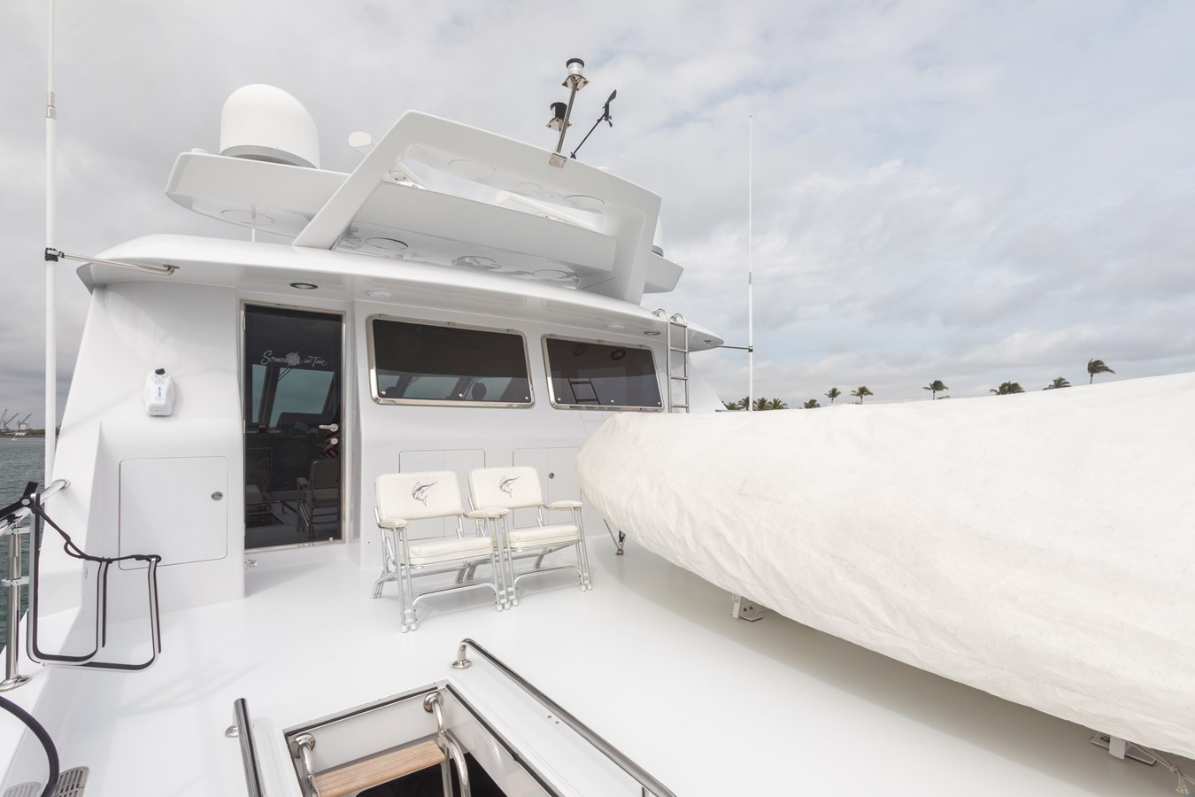 boat deck 2005 OCEAN ALEXANDER  Motor Yacht 2927580