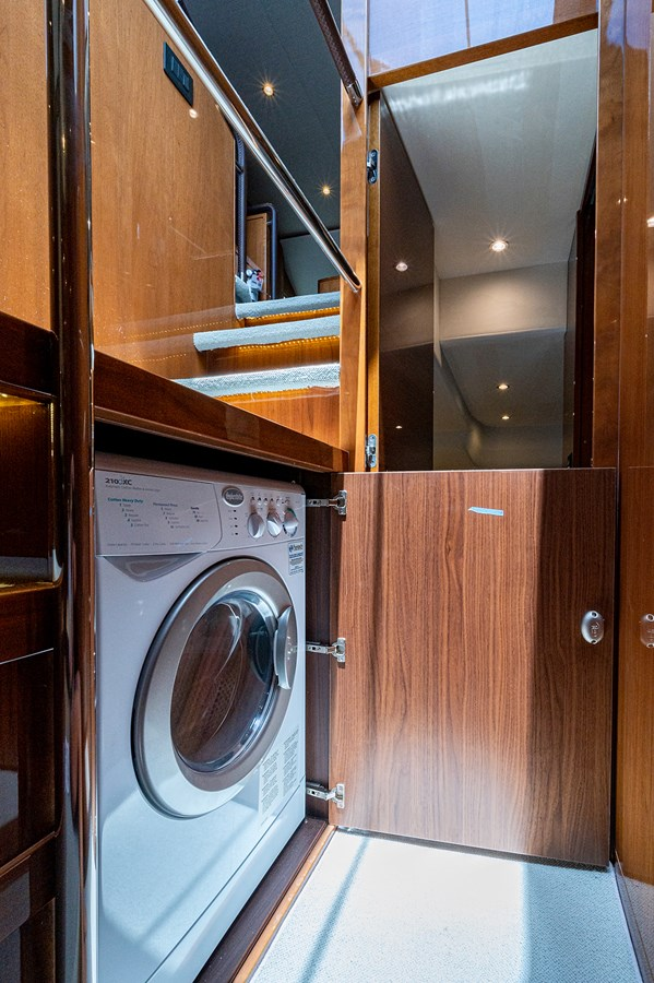 Bow To Stern_Laundry1 2015 PRINCESS YACHTS 56 Motor Yacht 2932832