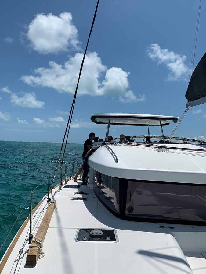 Starboard bow view to the helm 2017 LAGOON  Catamaran 2933811