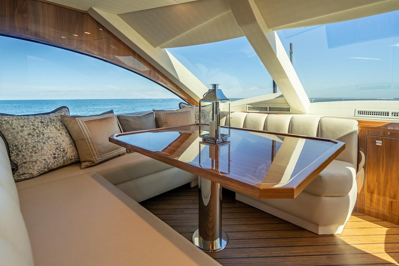 Dinette 2018 VIKING  Motor Yacht 2937987