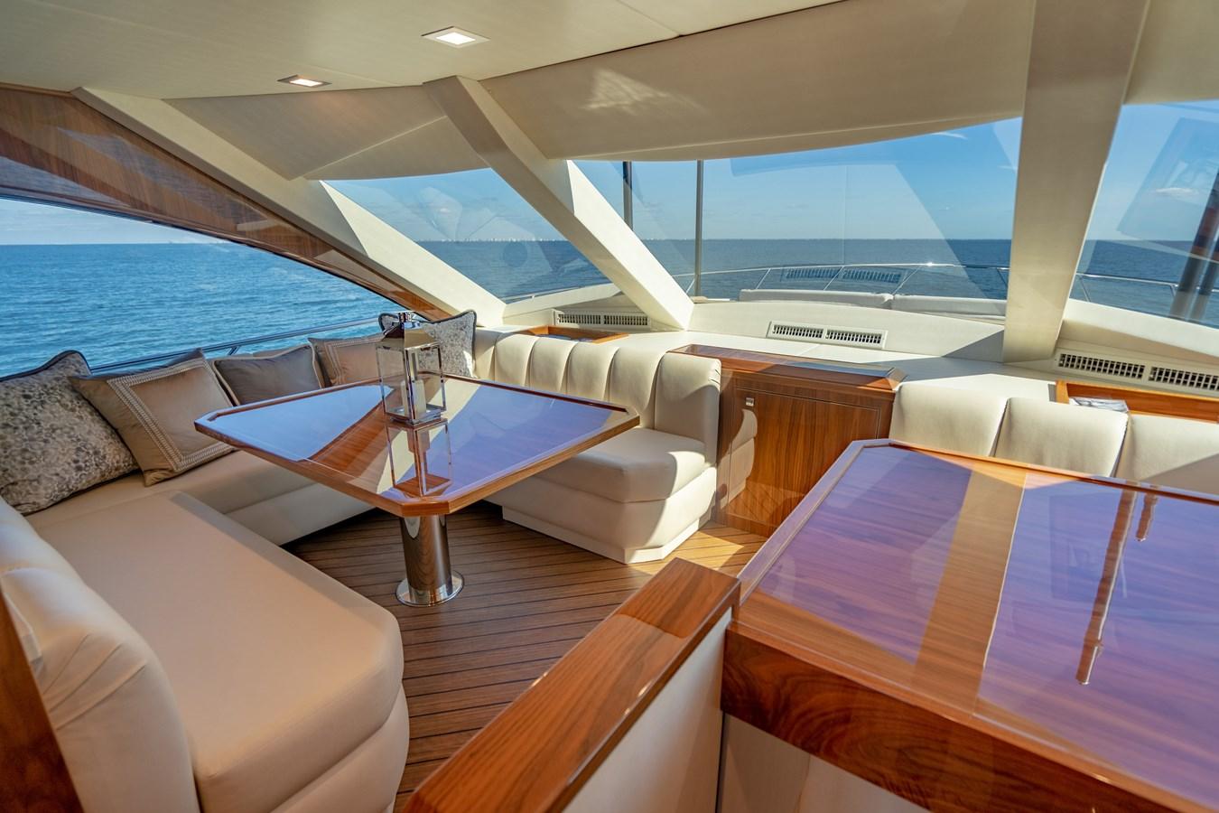 Dinette 2018 VIKING  Motor Yacht 2937988