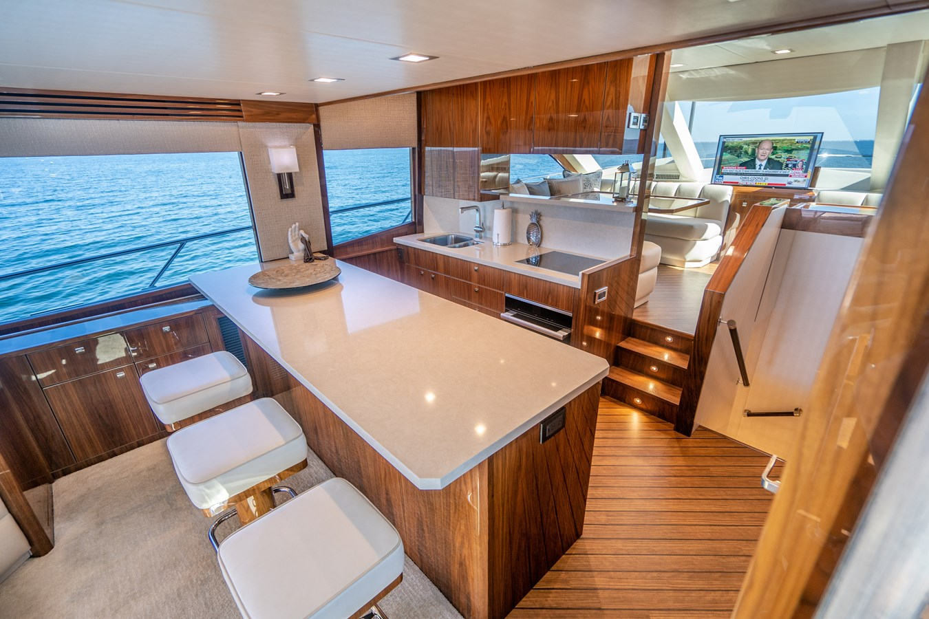 Galley 2018 VIKING  Motor Yacht 2937995