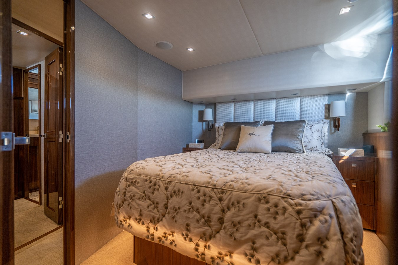 Port Guest Stateroom 2018 VIKING  Motor Yacht 2938007