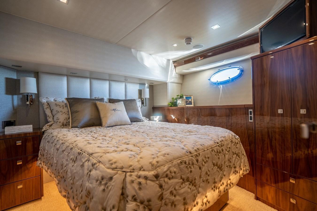 Port Stateroom 2018 VIKING  Motor Yacht 2938011