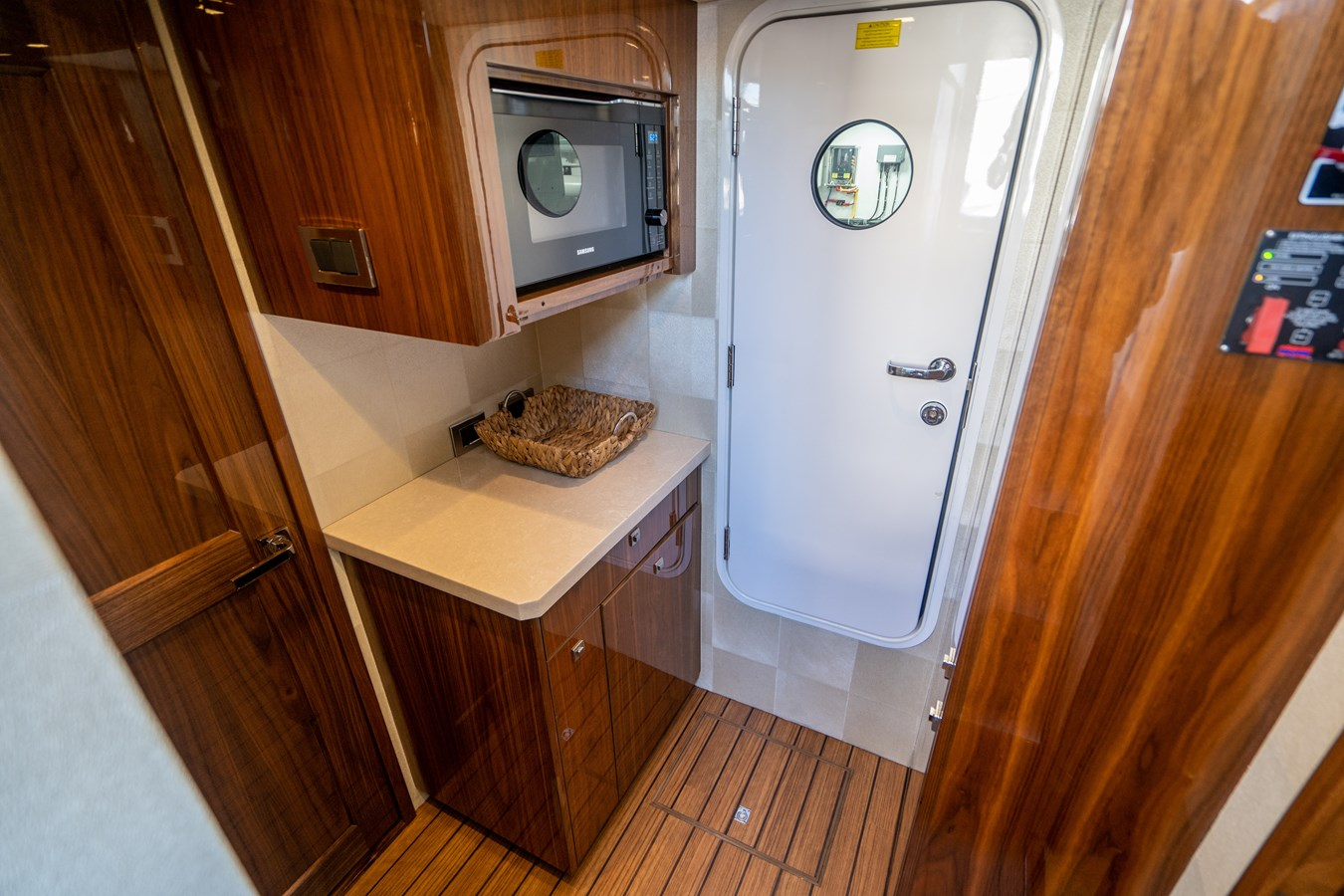 Crew Pantry 2018 VIKING  Motor Yacht 2938023