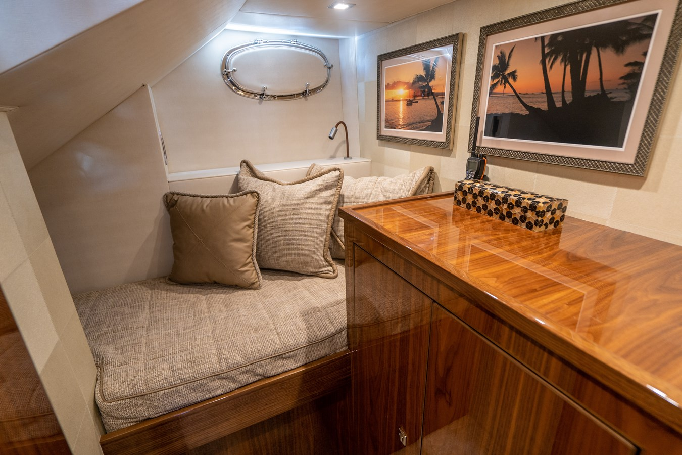 Crew Stateroom 2018 VIKING  Motor Yacht 2938027
