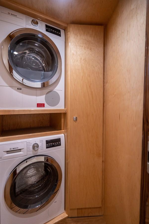 Laundry 2018 VIKING  Motor Yacht 2938058