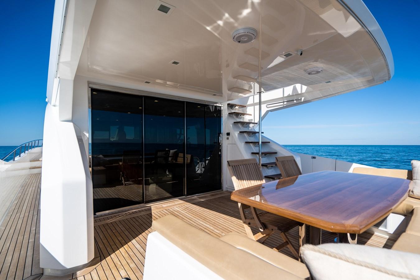 Aft Deck 2018 VIKING  Motor Yacht 2938060