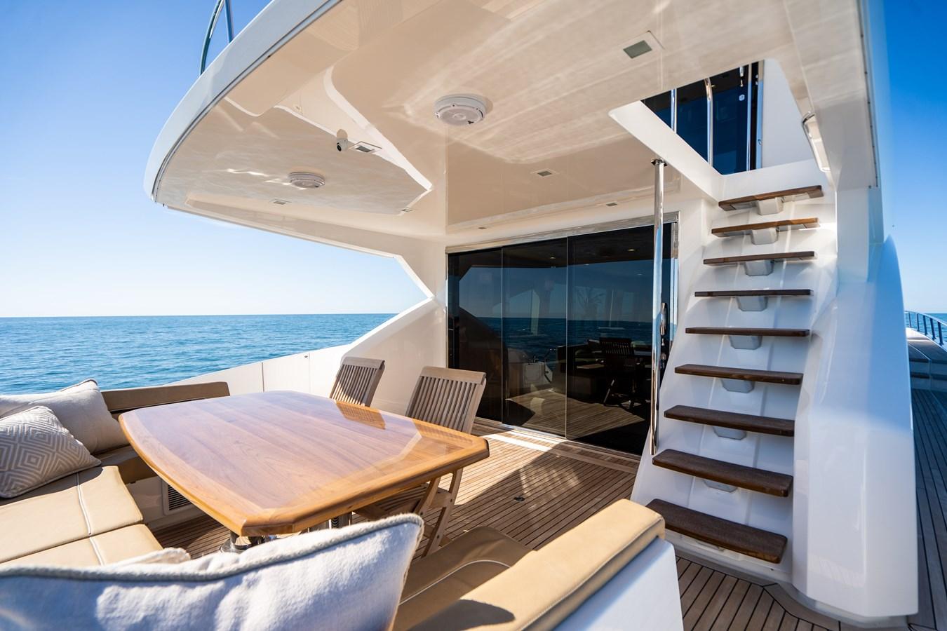 Aft Deck 2018 VIKING  Motor Yacht 2938063