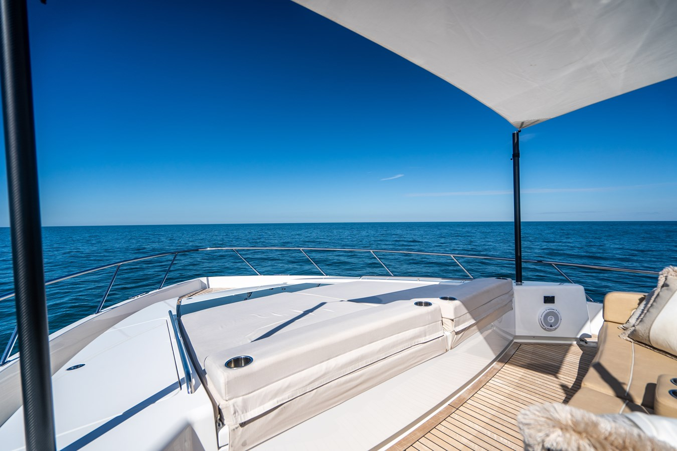 Fore Deck Sunpad 2018 VIKING  Motor Yacht 2938065