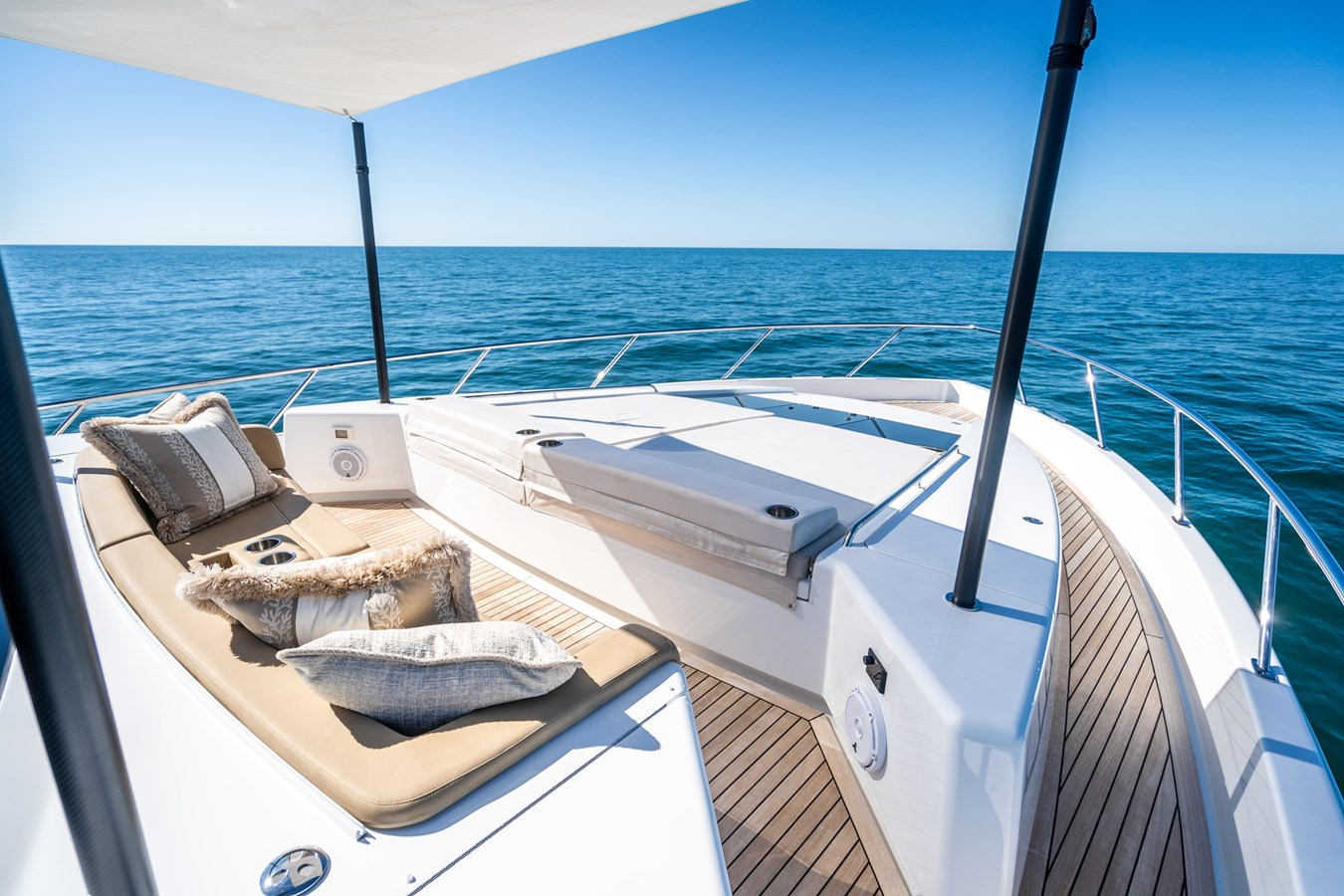 Fore Deck 2018 VIKING  Motor Yacht 2938066