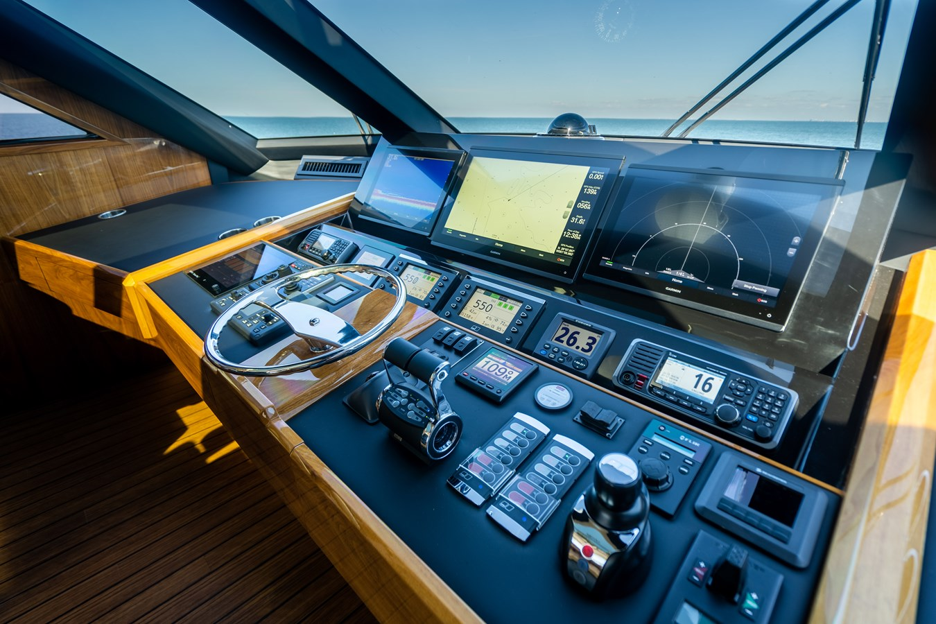 Helm 2018 VIKING  Motor Yacht 2938072