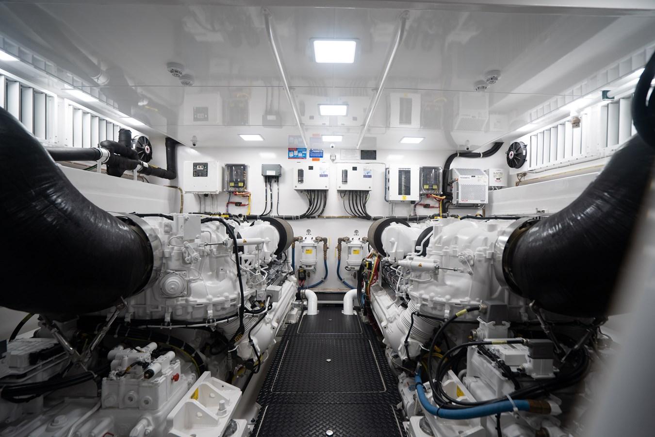 Engine Room 2018 VIKING  Motor Yacht 2938083