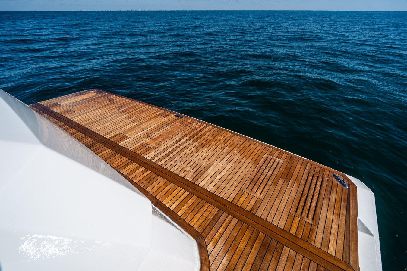 Hydraulic Swim Platform 2018 VIKING  Motor Yacht 2938104