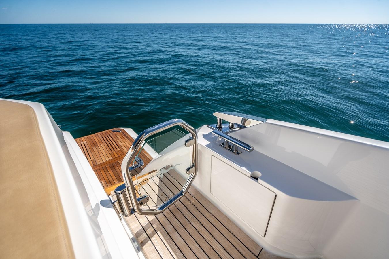 Transom Step Gate 2018 VIKING  Motor Yacht 2938105