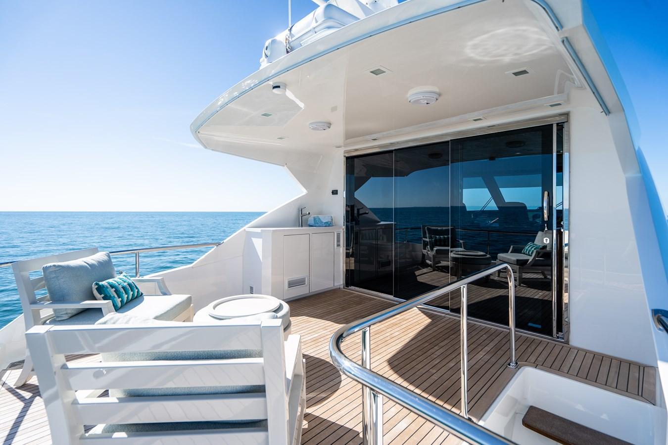 Upper Aft Deck 2018 VIKING  Motor Yacht 2938108