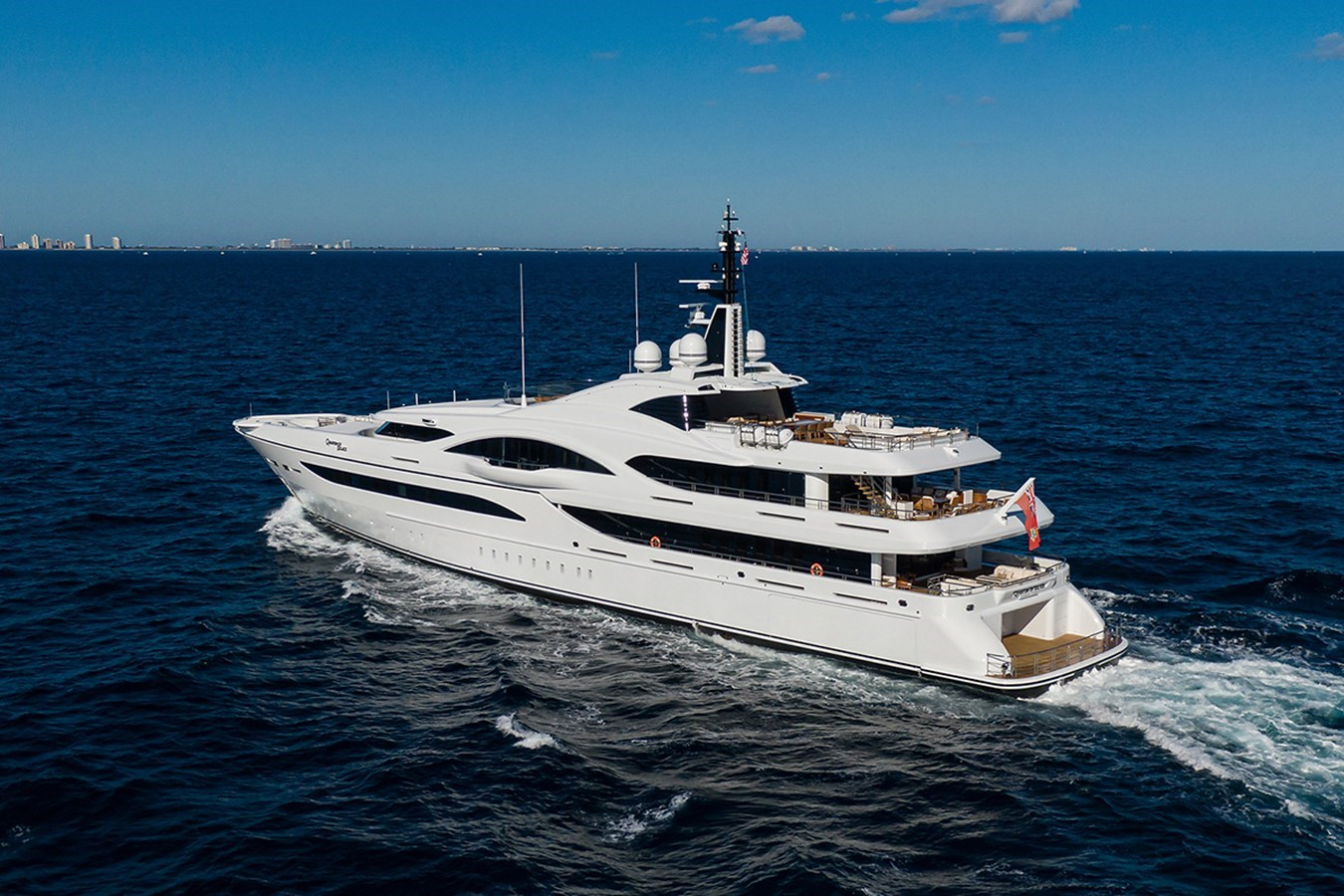 Quantum of Solace_aerials_14 2012 TURQUOISE YACHTS  Mega Yacht 2939324