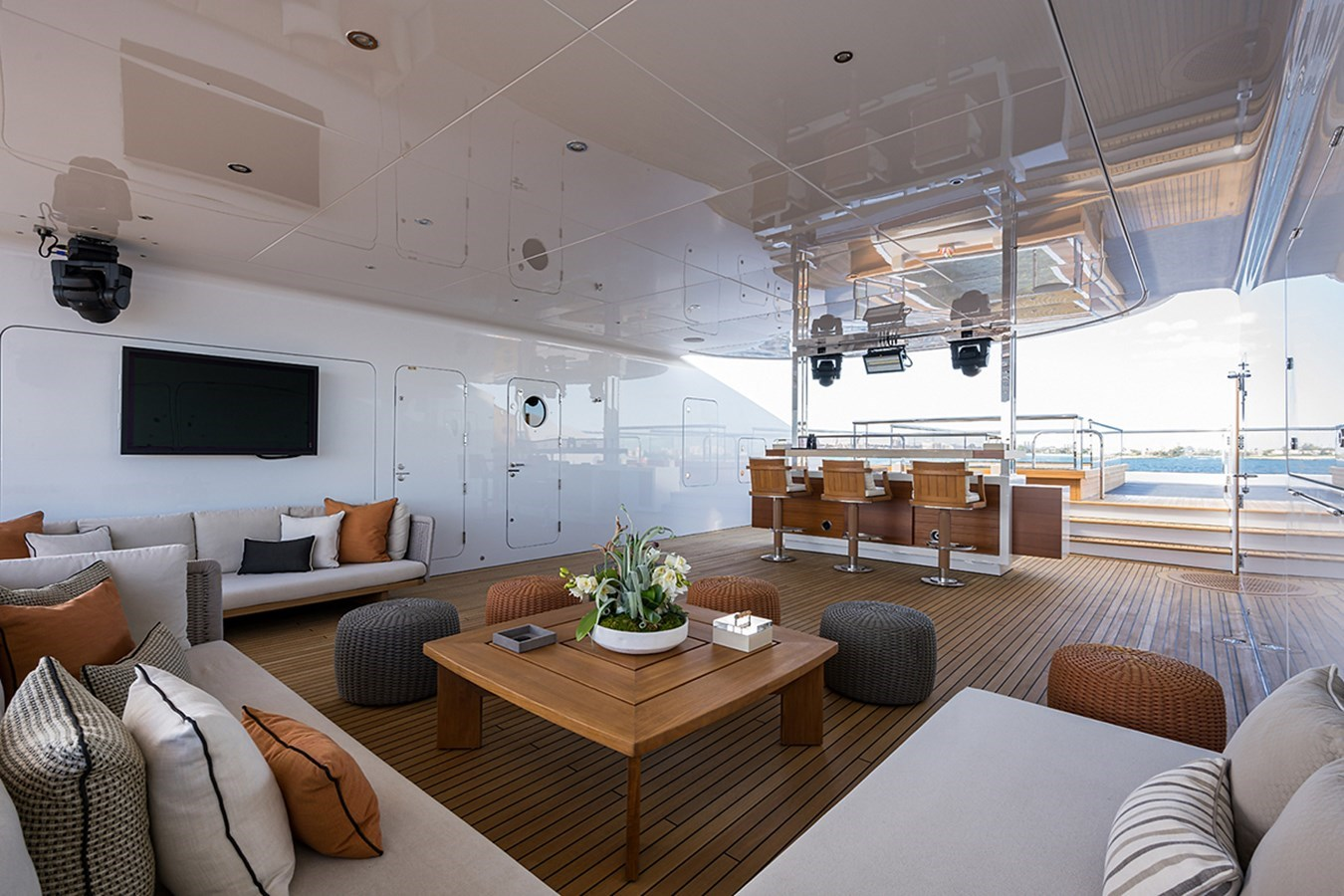 Quantum of Solace_sun_deck_17 2012 TURQUOISE YACHTS  Mega Yacht 2939346