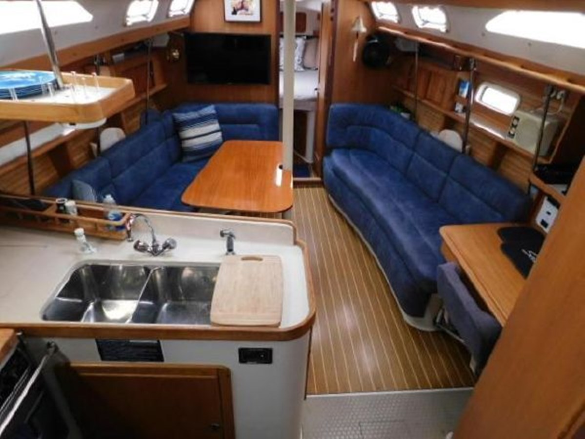 4 1998 CATALINA 380 Cruising Sailboat 2947711