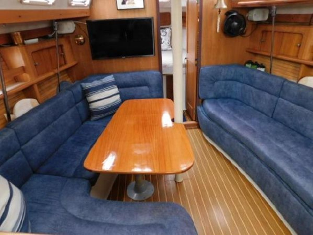5 1998 CATALINA 380 Cruising Sailboat 2947712