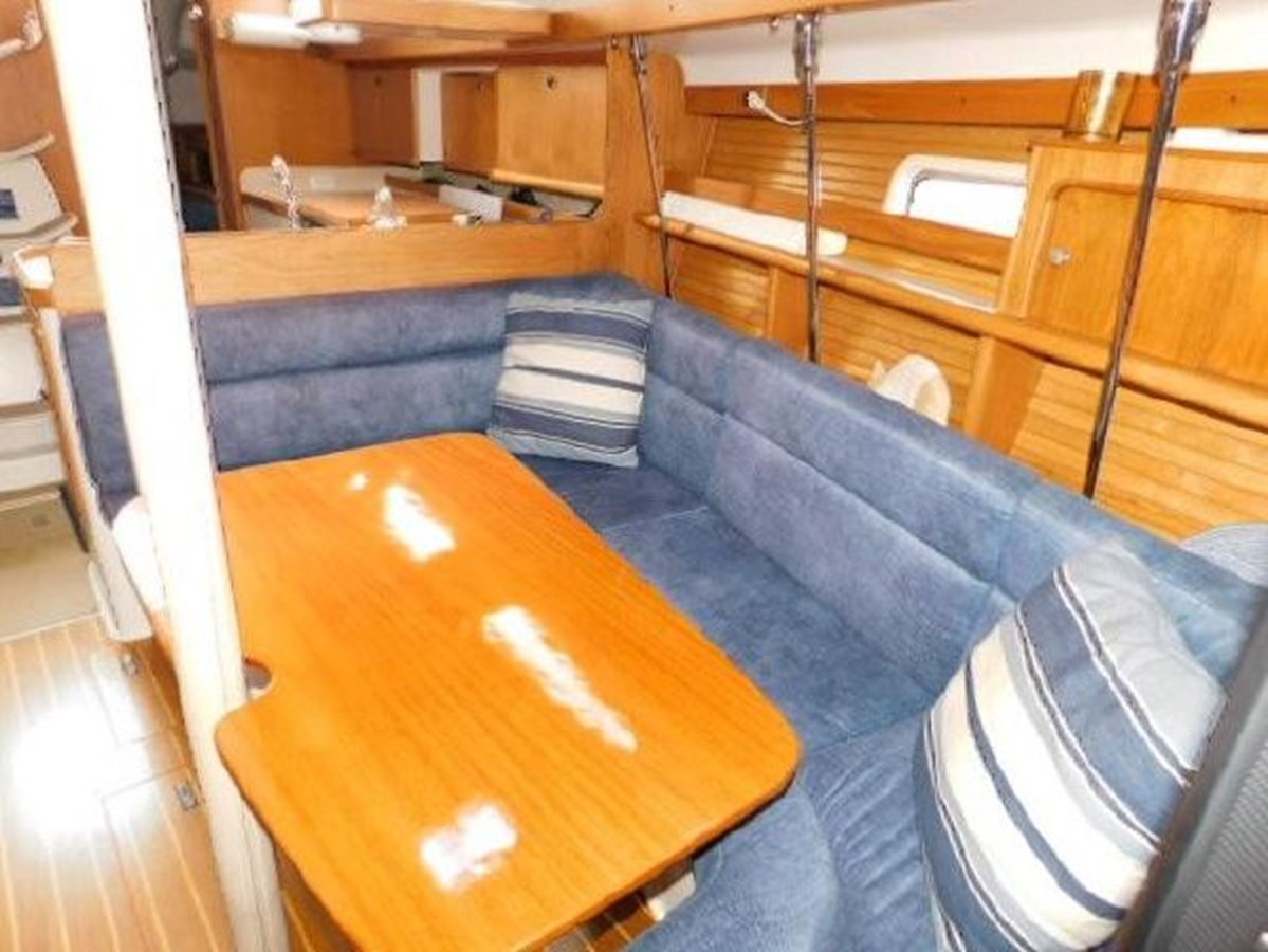 7 1998 CATALINA 380 Cruising Sailboat 2947714